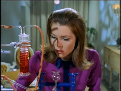 seethroughman.emma.chemistryset